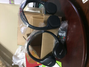 Dodge/Chrysler Uconnect wireless headsets and remote