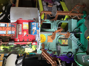 tmnt set and armour car and turtles