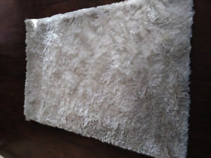 4x6 silk rug white
