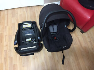 Maxi Cosi Mico Infant Car seat with base