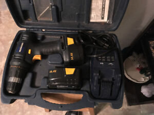14.4v mastercraft cordless drill with tow batteries and charger