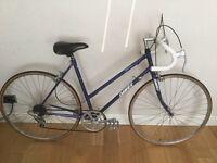 Vintage Ladies Dawes Road Racing Touring City Bike