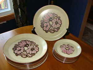 KILNCRAFT PLATES, STAFFORDSHIRE POTTERIES, ENGLAND,