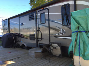 2015 31zip Sandpiper Travel Trailer by Forest River
