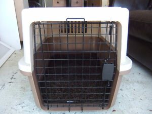 large dog or cat cargo kennel in exc cond, by precision pet