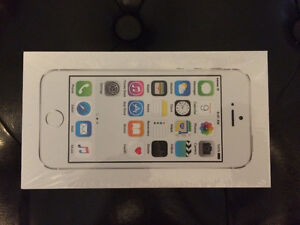 Brand New Sealed iPhone 5s 16g $450 or Best offer