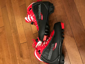 New Rossignol Junior Cross country skiing boots size 32