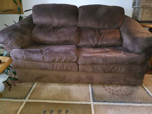 BROWN COUCH SET FOR 350$