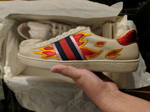 Gucci ace flames size 8( 9.5 US)