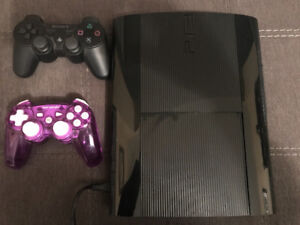 PS3 Superslim with two controllers