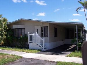 A vendre maison mobile meublé avec terrain inclus , $139900 US