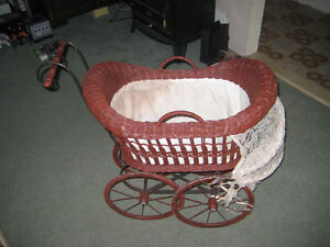 Wooden/Wicker Baby Carriage