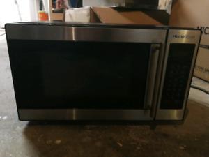 Homestyles 0.7cu microwave