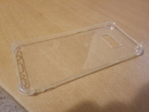 Transparent cases for Samsung Galaxy S7, S7 edge, and S8 plus