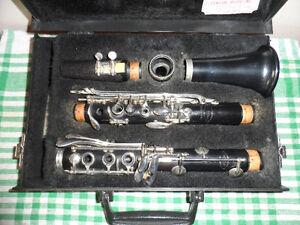 Leblanc Vito Reso-Tone 3 Clarinet W/ Case