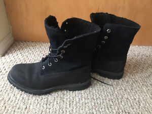 Timberland Women's Black Leather Boots - As New