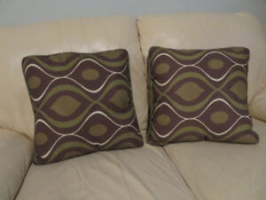 (2) OUTDOOR WEATHERPROOF PILLOWS