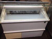 Ice cream scoop freezer/ display freezer