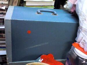 Sewing Machine/HEARTBEAT Thrift Store/BayView Mall, Belleville Belleville Belleville Area image 1