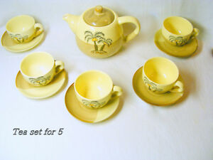 Tea set, 5 cups/saucers, teapot/ lid, excellent condition