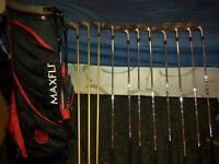 MAXFLI GOLF CLUBS AND BAG