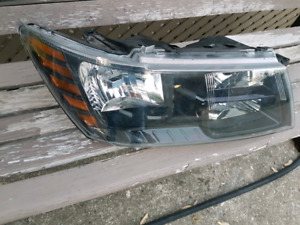2010 up dodge journey front headlight right side used