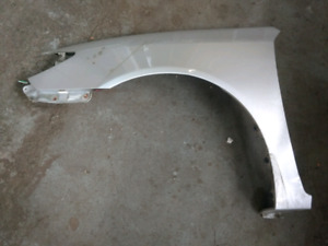 Toyota camry 02-06 fender ail Silver
