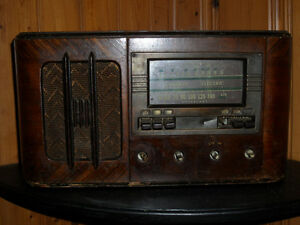 Radio a lampes antique