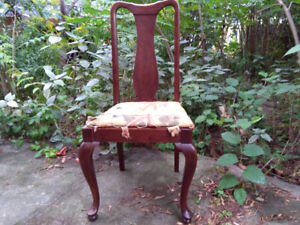 Vintage/Antique Queen Anne Style Wood Dining or Desk Chair