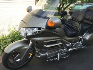 Gold WING 2002