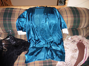 Very nice Night gown and Robes.. sexy for her ! 3-4 X plus size