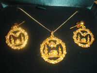 Gold Nuggets with Diamond set