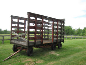 HAY WAGON WITH THROWER RACK
