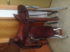 """15"""" roping saddle for sale"""