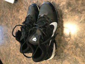 Nike  ball cleats size 6