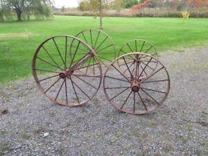Roues de chariot antique