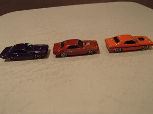 1:64 SCALE DIE-CAST Hot Wheels 70 Dodge Challenger Loose 2 car.
