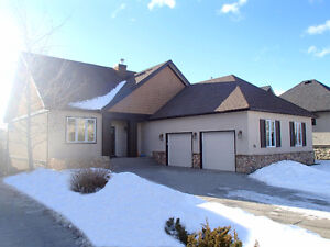 Elbow Valley - WALK OUT BUNGALOW - OPEN HOUSE SUN 1-3