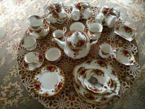 Royal Albert, Old Country Roses tea set, 56 pieces