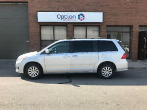 2009 Volkswagen Routan Trendline - Guaranteed financing