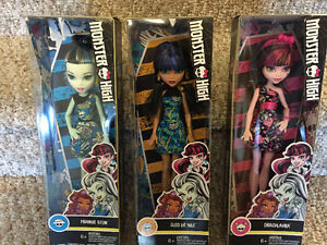 New! Monster high Frankie stein,Cleo de Nile or Draculaura dolls Kitchener / Waterloo Kitchener Area image 2