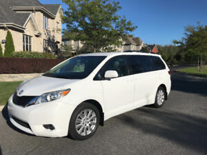 Toyota Sienna 2011 LE AWD 7 passagers