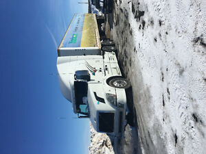 Volvo Automatic semi 2006 international automatic 218000kms dies