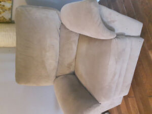 Lazy Boy love seat and recliner chair