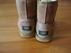 Brown Girls Size 3 Uggs Winter Boots London Ontario image 4