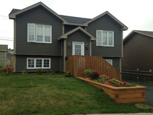 House (top level) for rent in Kenmount Terrace