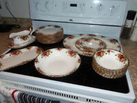 OLD COUNTRY ROSE - ROYAL ALBERT DISHES