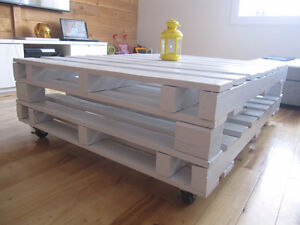 Table basse (Coffee table pallet) palettes, roulettes, excellent