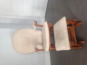 Chaise berçante - Rocking chair w/ ottomane