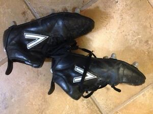 Mitre size 4 rugby cleats Cambridge Kitchener Area image 1